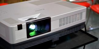 How to Buy a Home Theater Projector