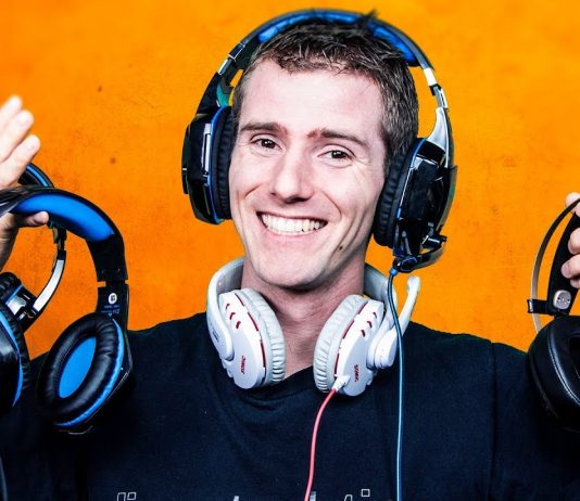 Bluetooth gaming headset