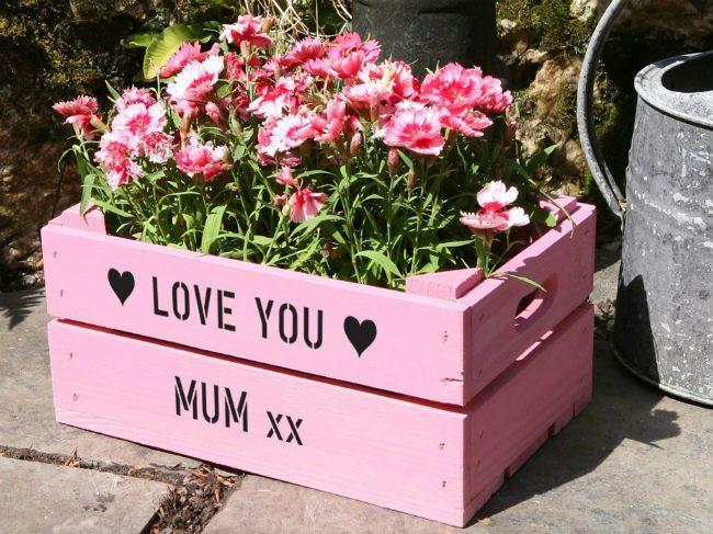 http://www.tellmehow.co/fun-creative-mothers-day-special-activities-kids-can-plan/